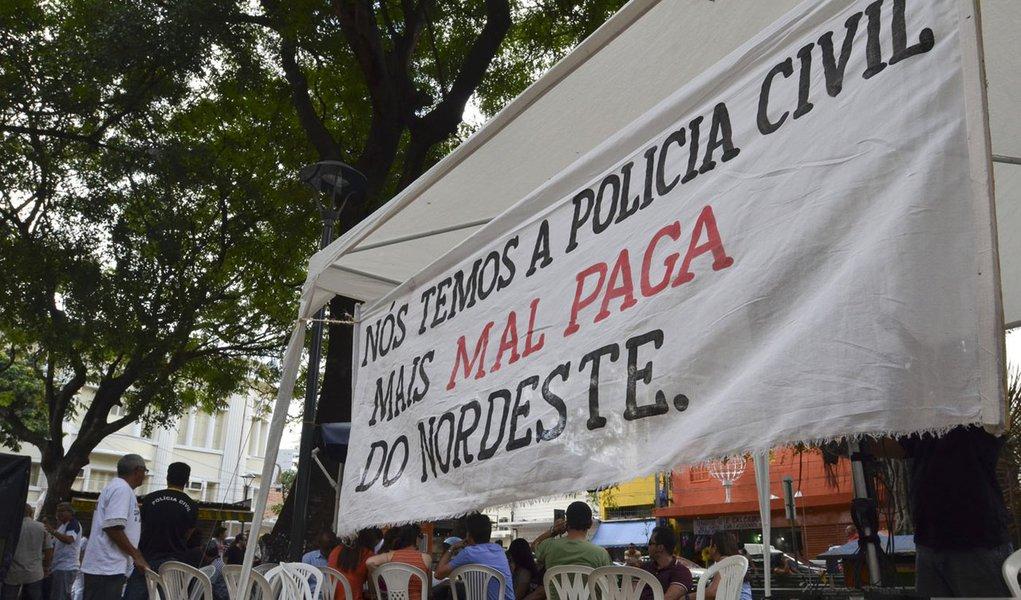 Polícia civil encerra greve no Ceará, e peritos ameaçam parar