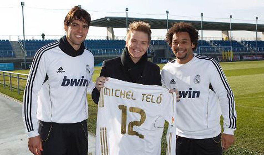 Sucesso na Espanha, Michel Teló visita Real Madrid