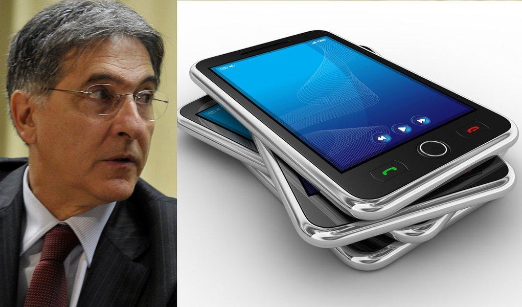 Ministro anuncia restrição a importação de celulares