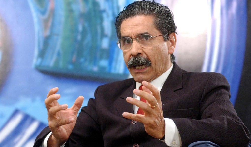Olívio Dutra aporta no Recife para debater prévias