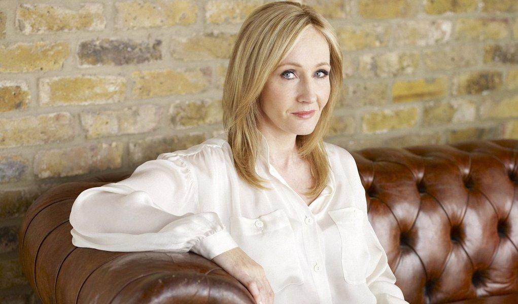 Novo livro de J.K. Rowling será lançado pela Nova Fronteira