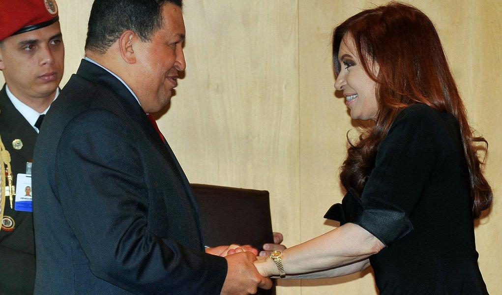 Presidente da Argentina vai visitar Hugo Chávez