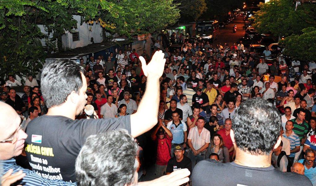 Mais uma medida pelo fim da greve da polícia