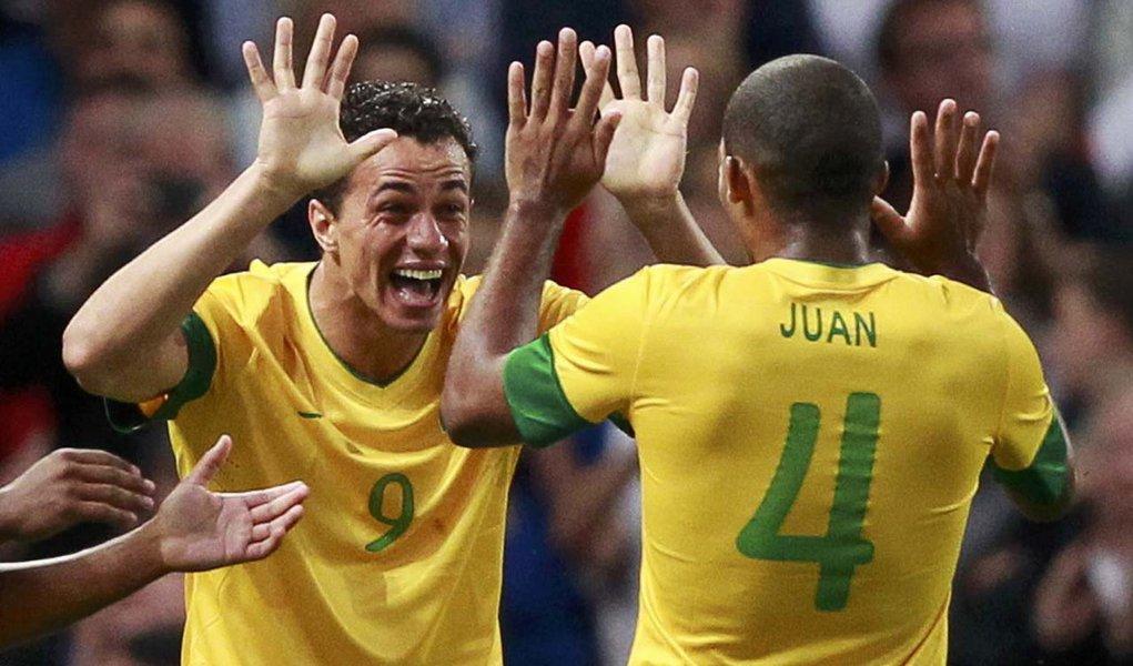 Brasil faz 3, tem artilheiro e disputará ouro inédito