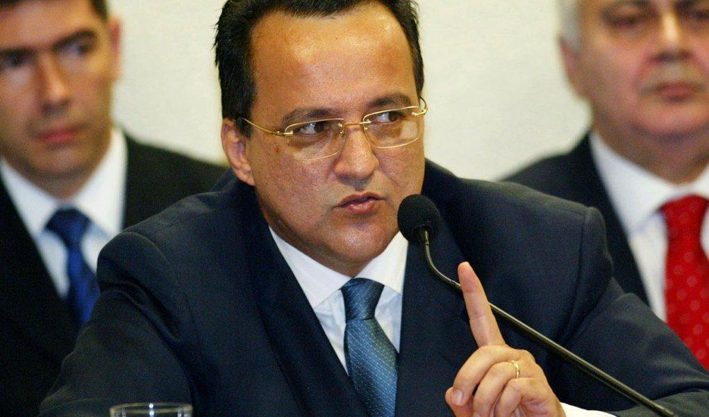 Rei dos grampos ilegais, Cachoeira diz que gravações da PF contra ele são ilícitas