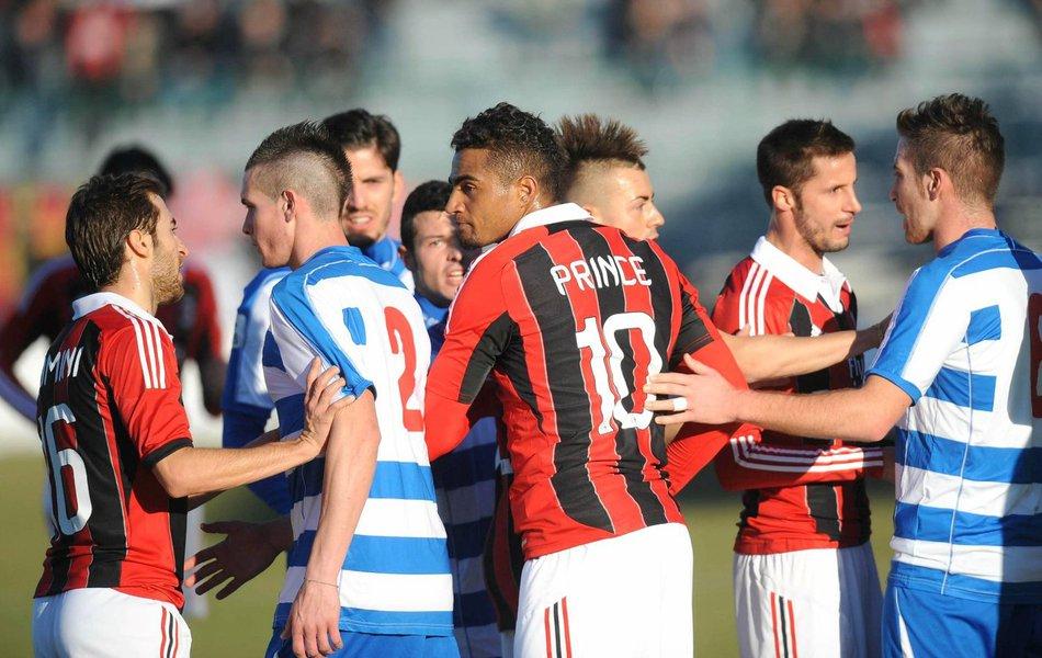 Blatter critica atitude de jogadores do Milan