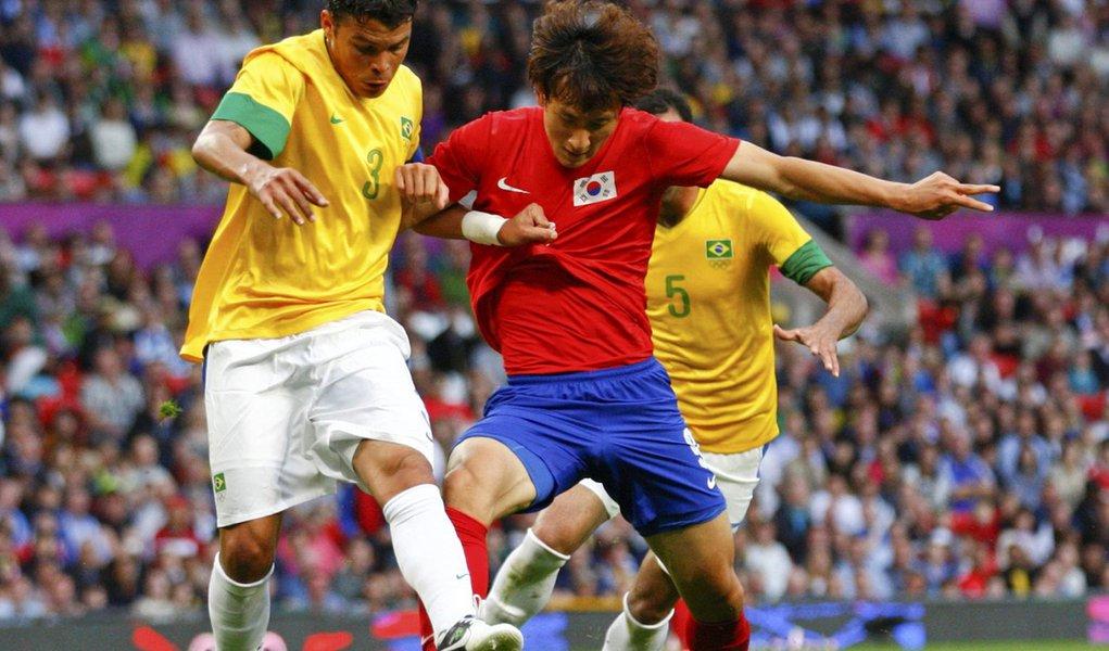 Seleção brasileira pega Coreia do Sul em Londres e troca Alex por Hulk