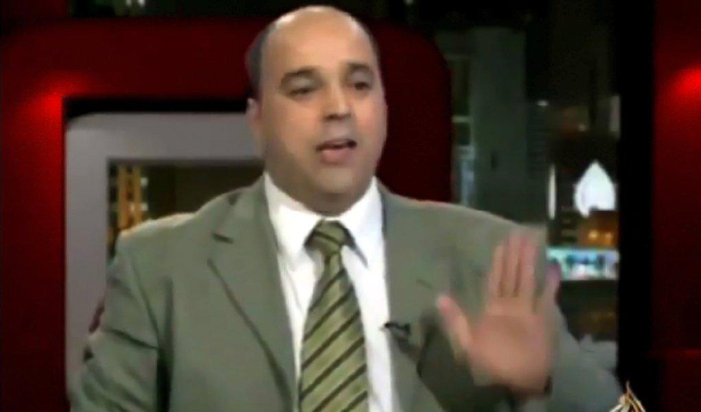 """Ex-monitor vê """"farsa"""" em missão da Liga Árabe na Síria"""