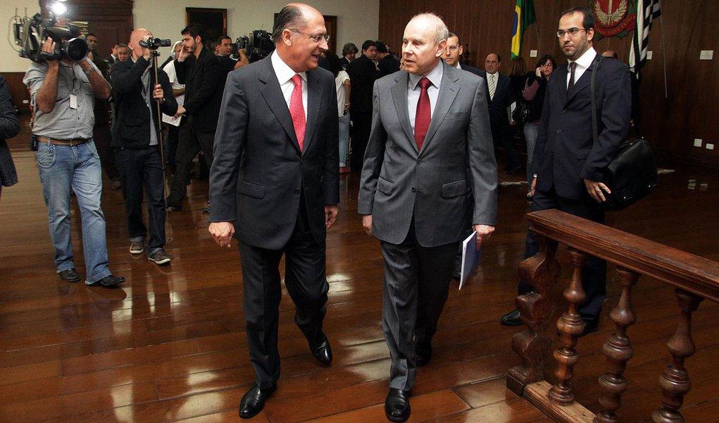 Mantega anuncia ampliação do limite fiscal