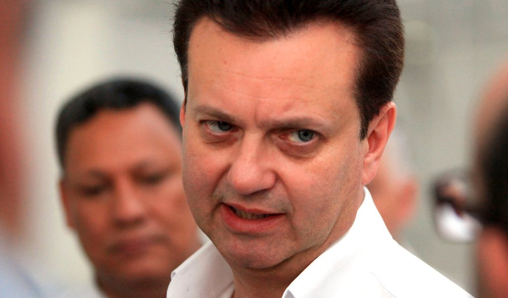 Kassab trai Serra, vai a Lula e baixa carta PT-PSD