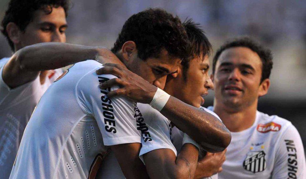 Santos vence o Mogi Mirim e vai às semifinais do Paulista