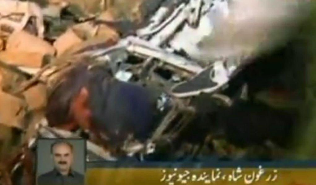 Queda de avião deixa mais de 100 mortos no Paquistão