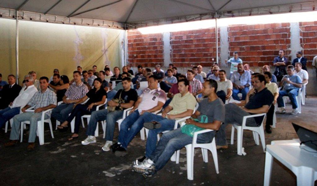 Policiais federais cruzam os braços em Goiás
