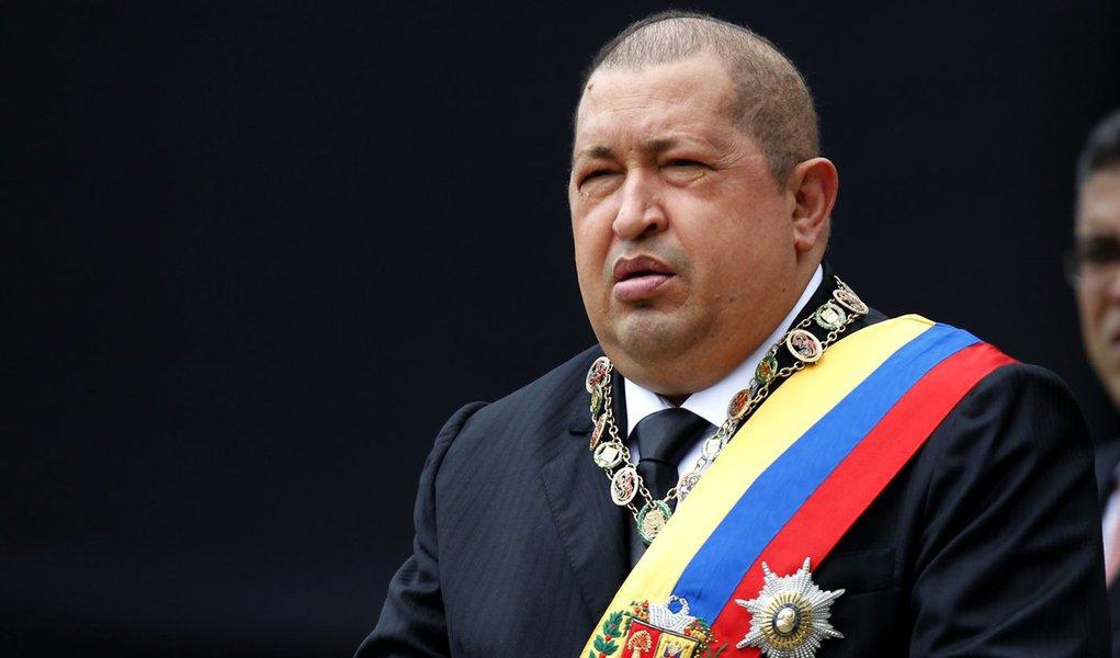 Chávez se recusa a aceitar decisões do Banco Mundial