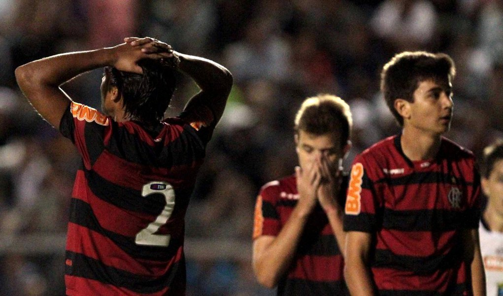 Atual campeão, Flamengo cai na primeira fase da Copinha