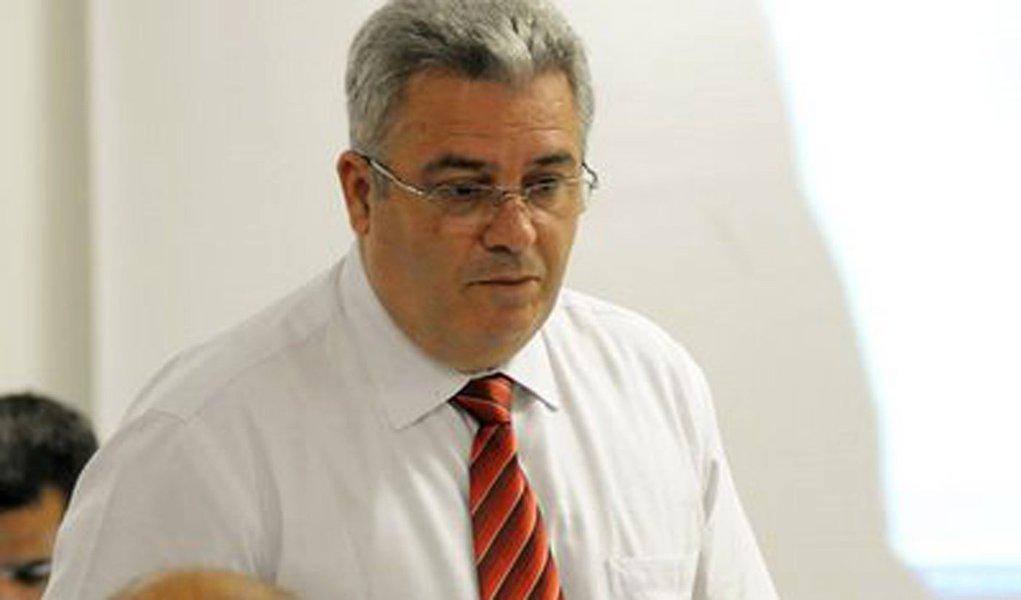 Acusado de corrupção, Sérgio Corrêa processará árbitro