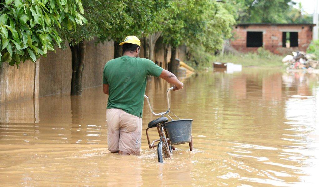 Enchentes: famílias de Itaperuna, no Rio, devem ser transferidas