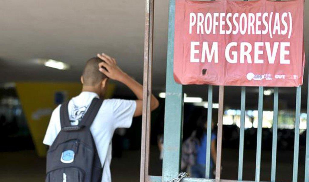 Greve dos professores acaba após 115 dias
