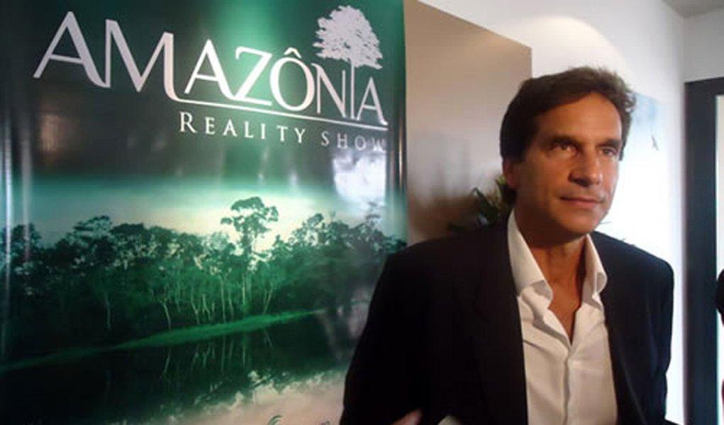 Record tenta bater BBB com reality show brazuca