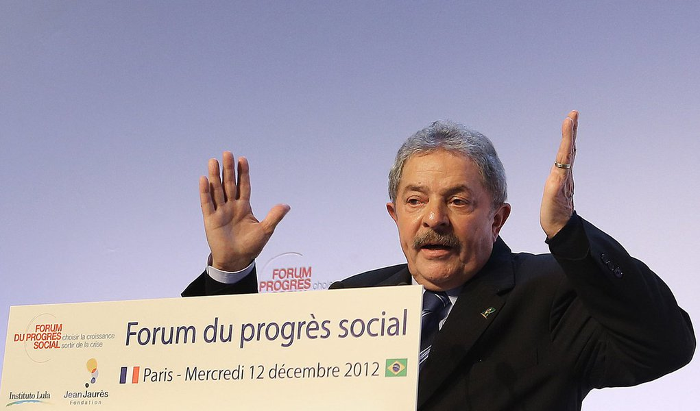 E, no entanto, Lula se move