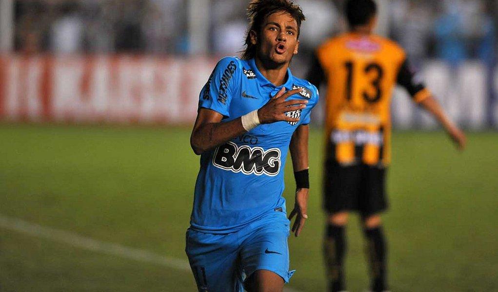 Santos insiste, faz 2 a 0 e se garante na próxima fase da Libertadores