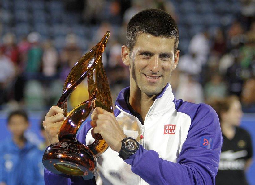 Djokovic bate Almagro na final de Abu Dabi