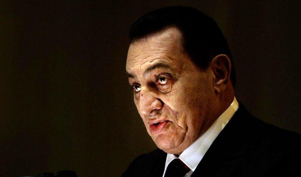 Promotor pede pena de morte para Hosni Mubarak