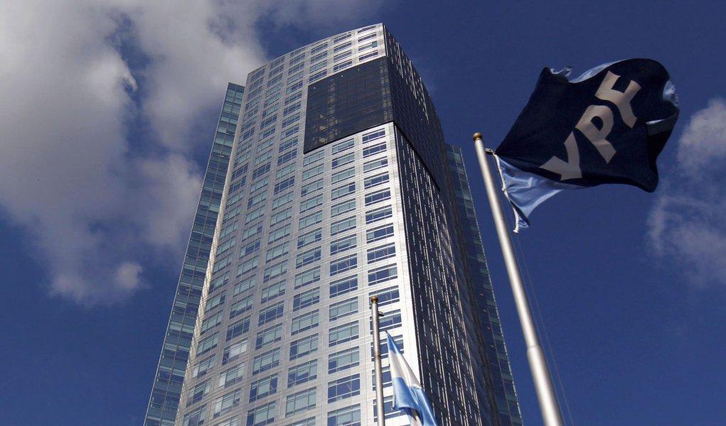 FMI e UE criticam reestatização da YPF e preveem instabilidade econômica