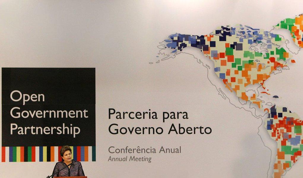 Dilma: Brasil deu passo decisivo com Lei de Acesso à Informação