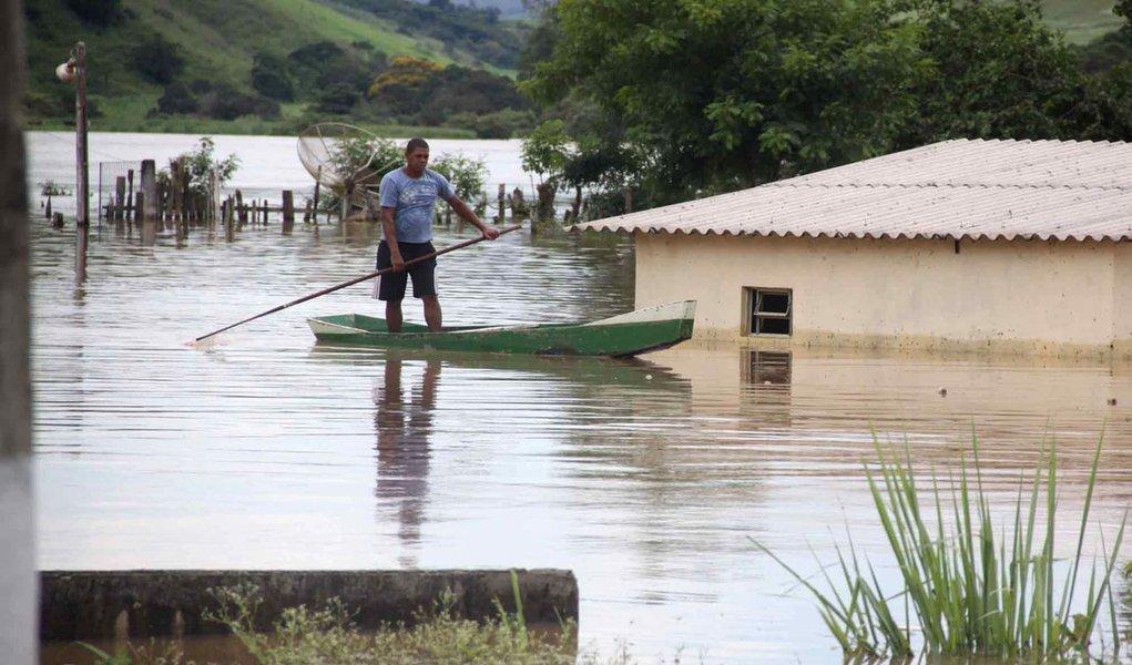 Itaperuna vira base de apoio para vítimas de enchentes no Rio