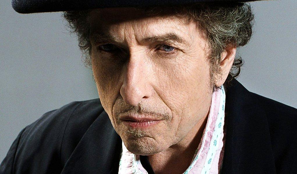 Cai jornalista que inventava frases de Bob Dylan
