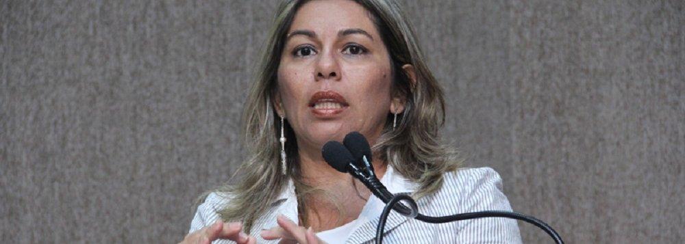Lucimara questiona contrato de R$ 15 milhões da Secom de Aracaju