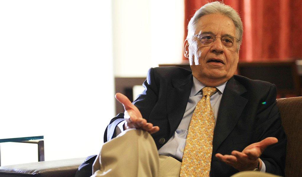 FHC reaparece e vê 'falta de liderança' no País
