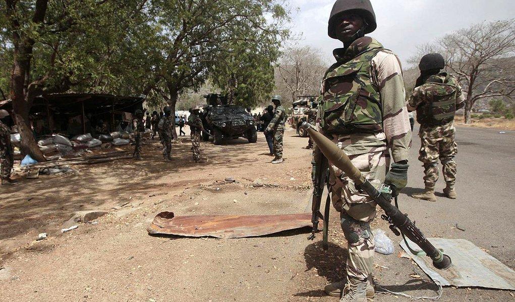 Mulheres suicidas matam 22 pessoas na Nigéria