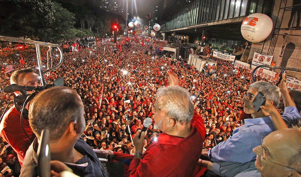Justiça proíbe ato pró-Lula na Paulista