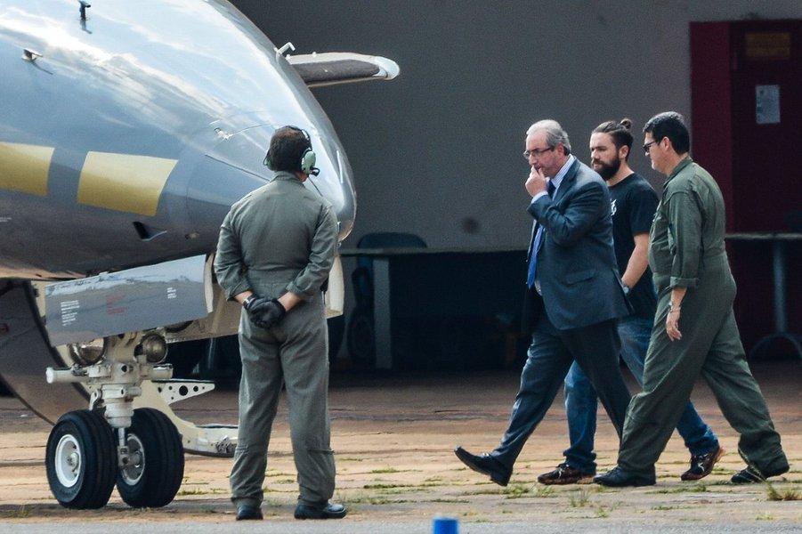 Ao saber que seria preso, Cunha telefonou para aliados do governo