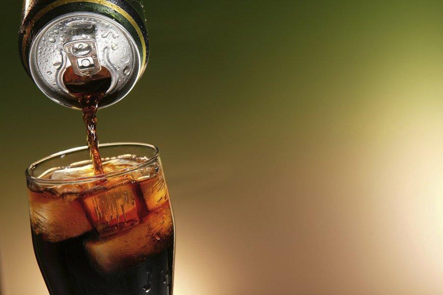 Refrigerante é sexto alimento mais consumido por adolescentes