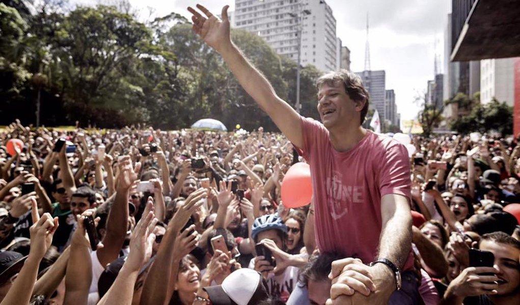 """Haddad alfineta Doria: """"São Paulo não está à venda"""""""