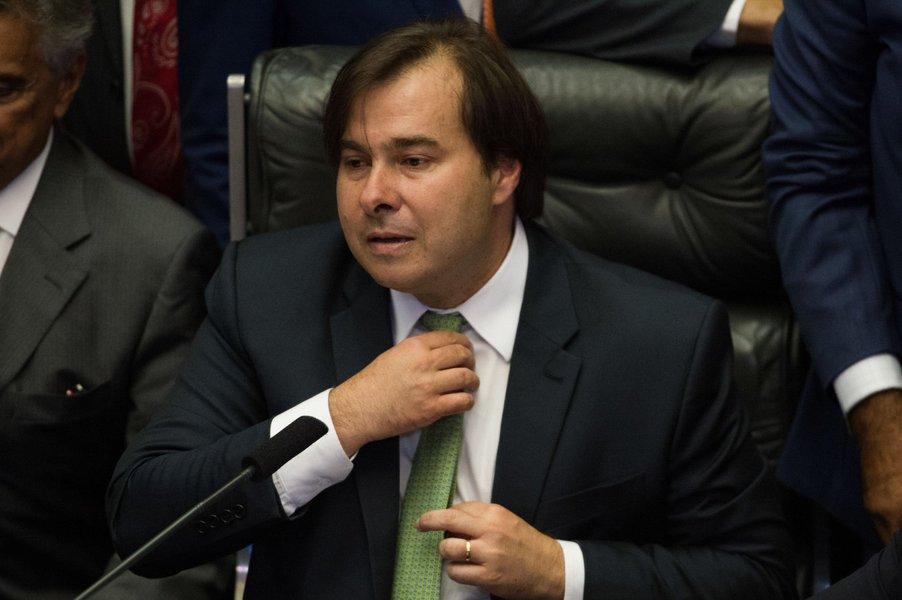 Maia promete comissão da reforma da Previdência já na próxima semana