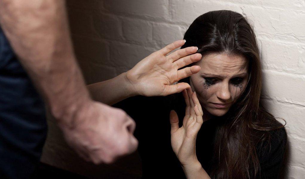 Mulher vítima de violência poderá fazer plástica no SUS