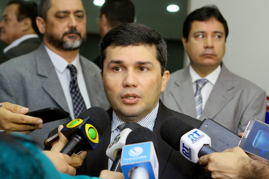 Secretário diz que não teria como evitar mortes em presídio no Amazonas