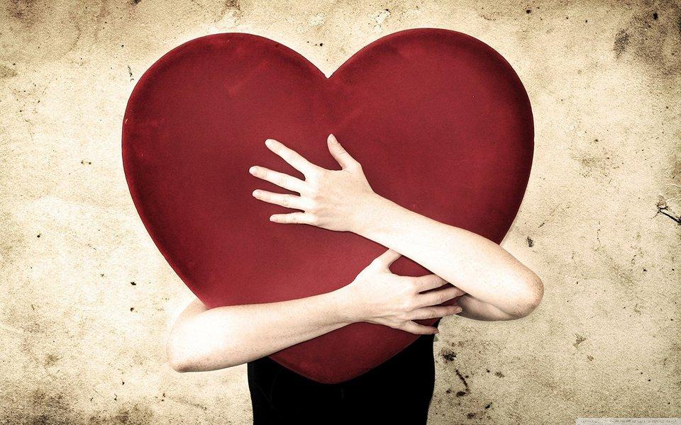 O cérebro se apaixona. E o coração entende o recado