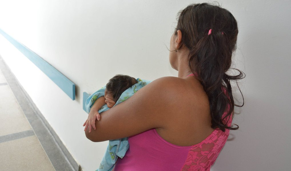 Brasil tem 1.749 casos de microcefalia confirmados