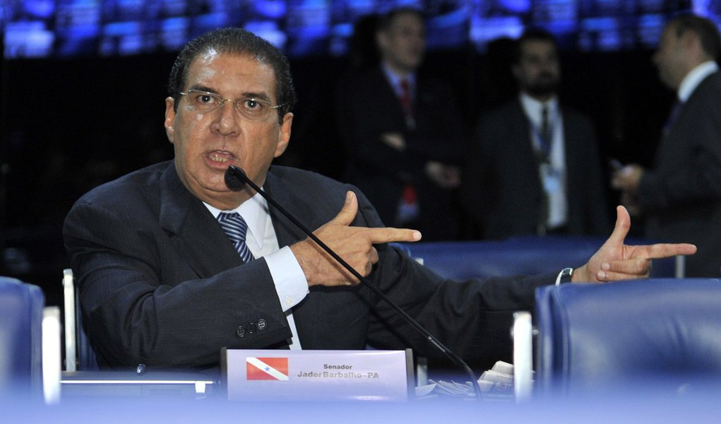 "Jader Barbalho critica ""moral seletiva"" do PMDB"