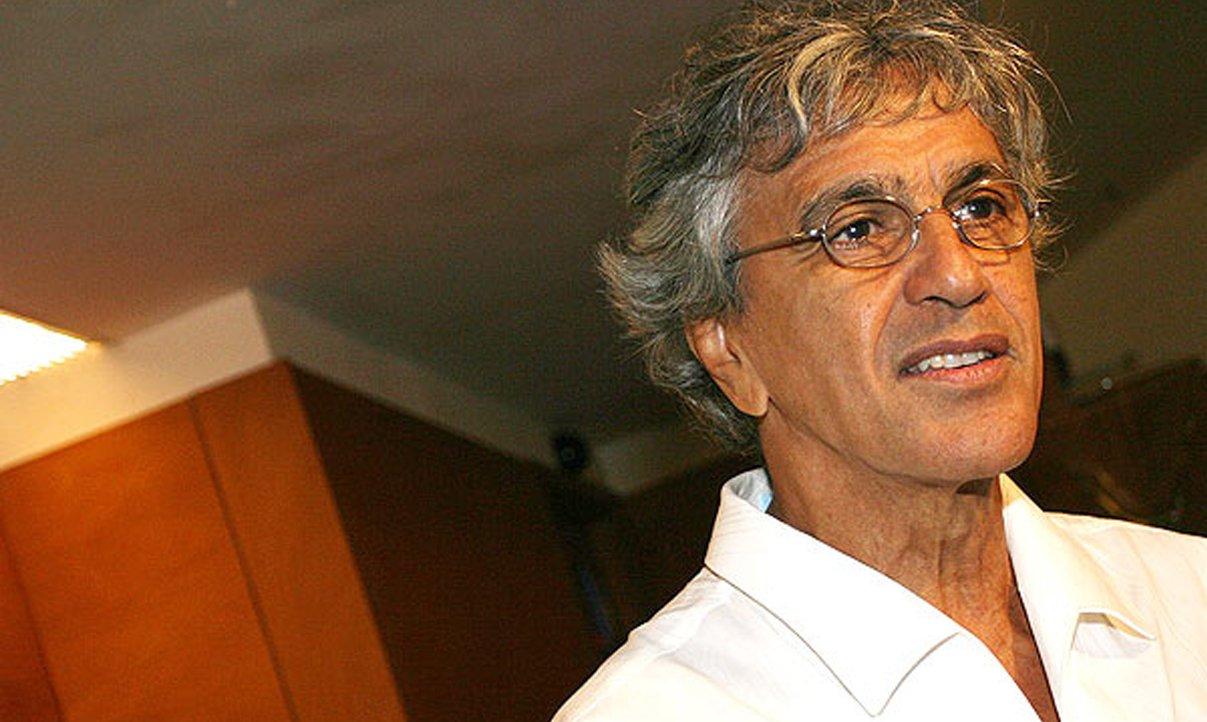 "Caetano diz que impeachment foi ""retrocesso"""