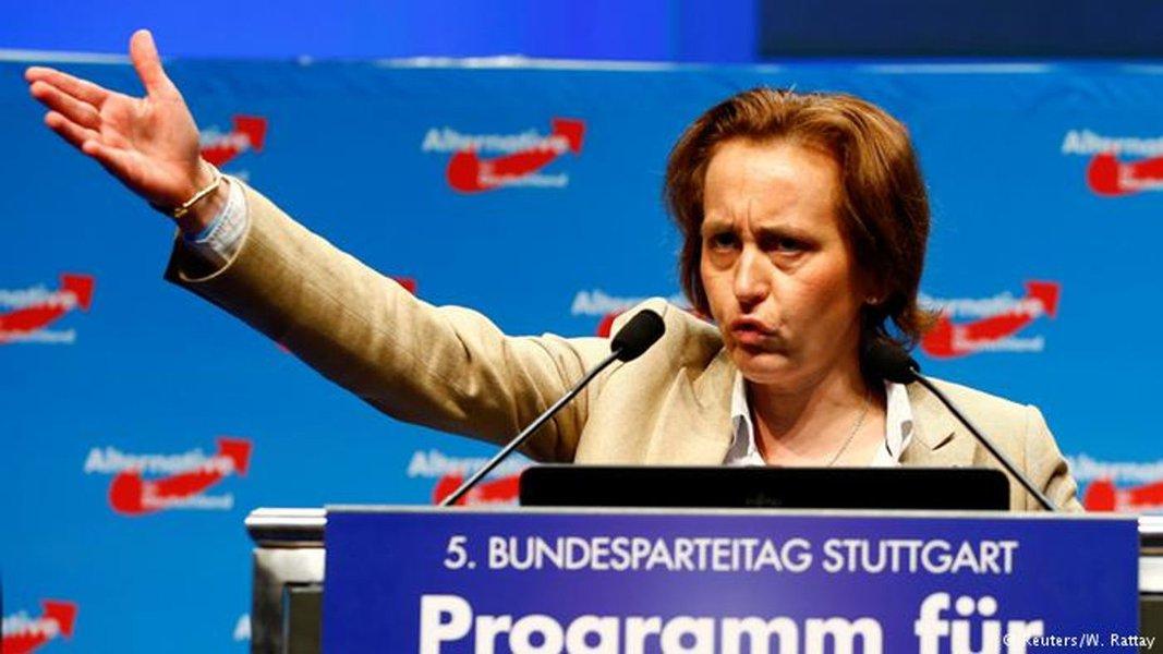 Polícia alemã quer investigar deputada por mensagem contra refugiados