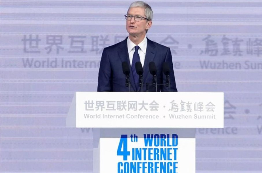 Apple, que produz iPhone na China, pede fim de guerra comercial