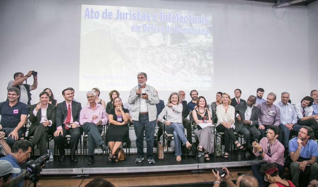 Juristas criticam sentença de Moro: Não precisamos de heróis, mas de juízes imparciais