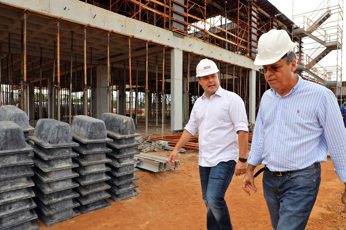 Renan Filho diz que construção de hospitais vai gerar empregos