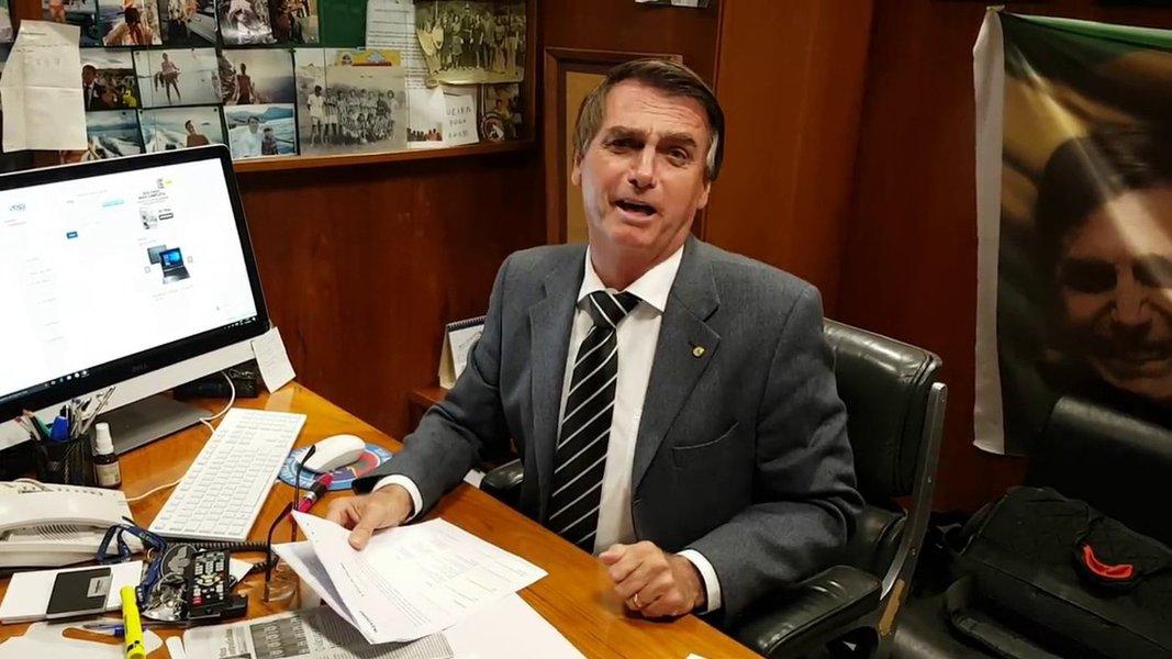 Folha vê Bolsonaro como megalômano